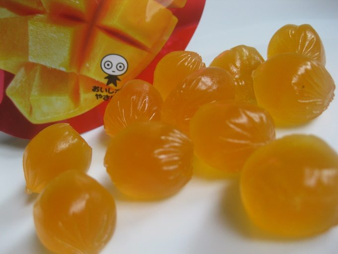 UHA味覚糖「コロロ マンゴー」