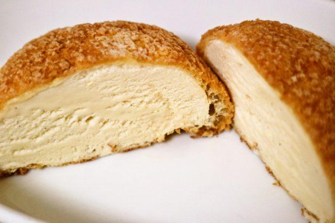 ファミリーマート限定・3週間で完売した「メロンパンアイス」が復活!