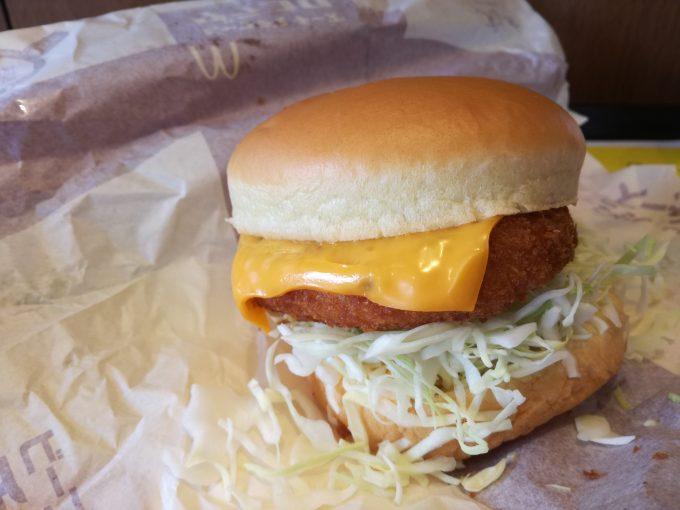 あったかいって、ごほうびだ。マクドナルド「ビーフデミ チーズグラコロ」
