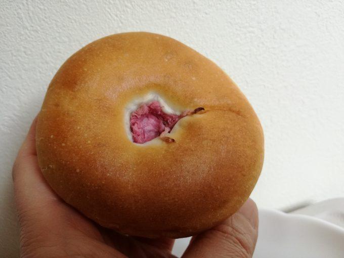 ずっしりあんこに驚愕。ローソン「マチノパン あんこ天国 桜シーズン」